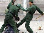 CINA_-_polizia_arresto[1]