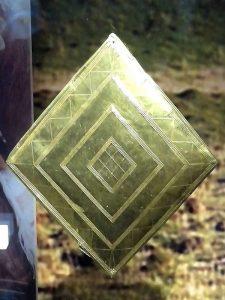 gold_lozenge_from_wilsford_g5_bush_barrow-600x800-225x300