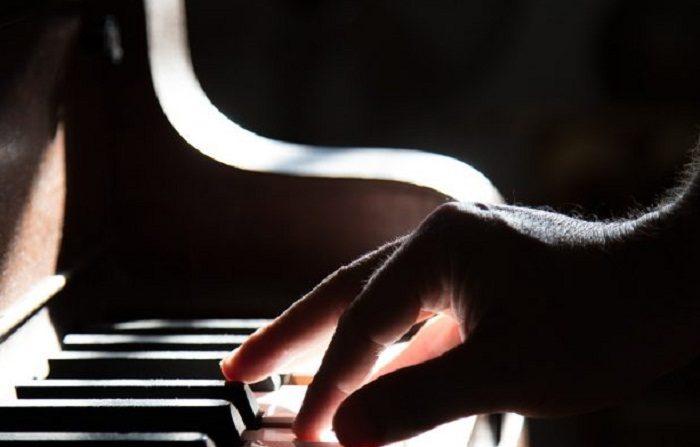 piano-801707_1280-700x420-700x447