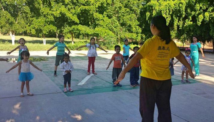 Guasave-Montessori-School-peace-class2
